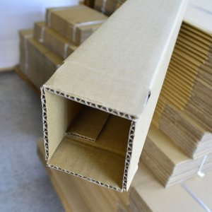 画像1: ポスター用ダンボール箱 80×80×高さ1,350mm「100枚」