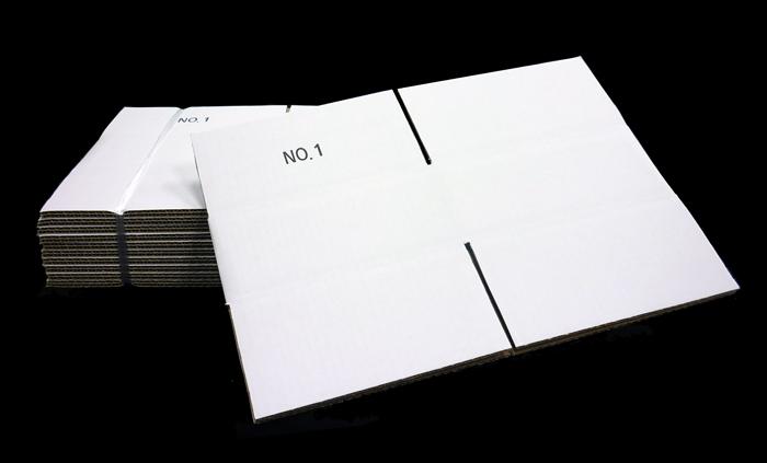 ナンバー印刷入り白ダンボール箱
