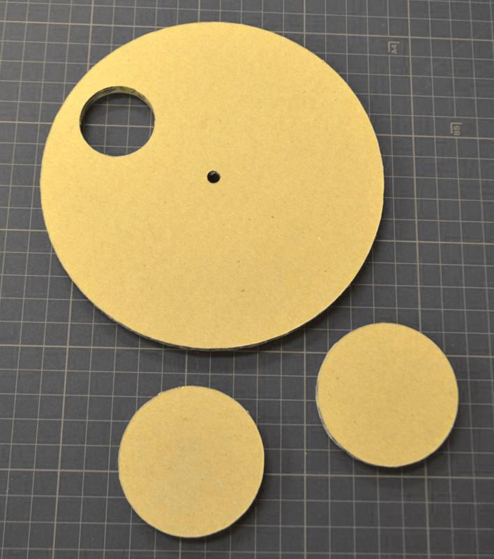 ダンボール円形デザインカット