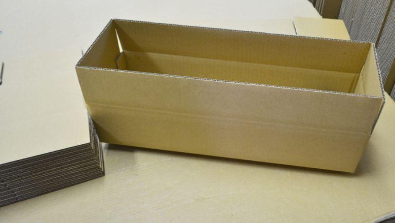 製品収納用ダンボール箱
