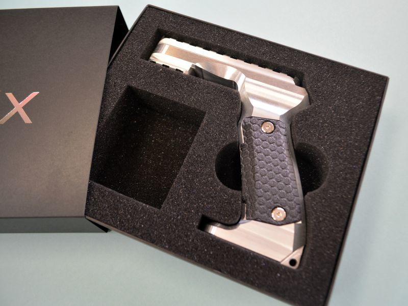 カメラグリップ用パッケージ(紙器+ウレタン)