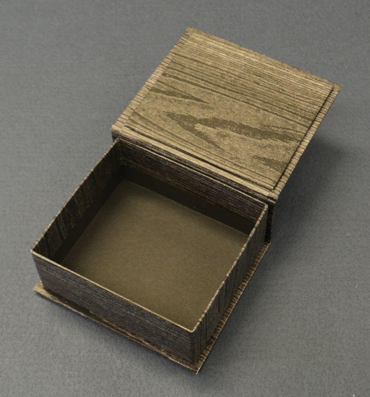 見返付ブック型貼箱