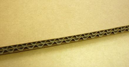 ダンボール板材質比較