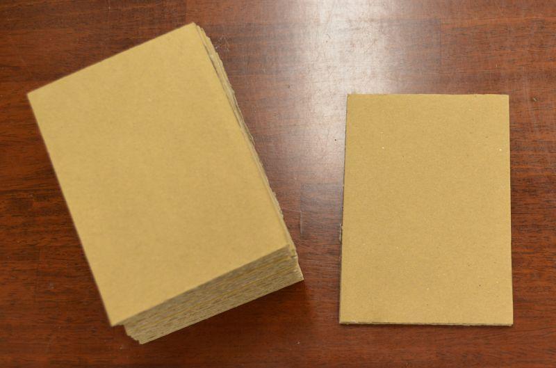 トレーディングカード用ダンボール板