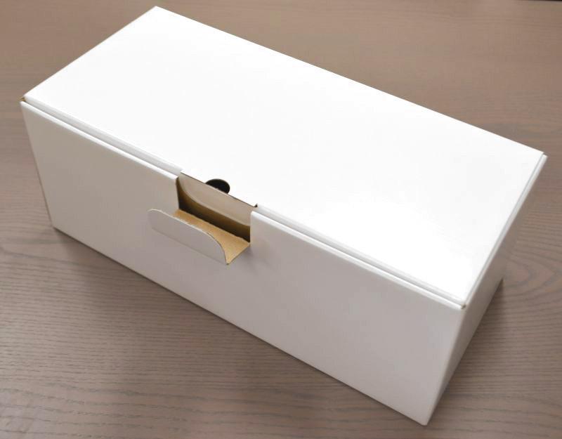 白ダンボール箱ロック式